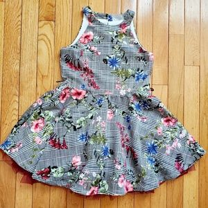 Girl's sleeveless floral dress